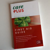 De Care Plus First Aid Guide is geschreven door expeditiearts Ronald Hulsebosch.
